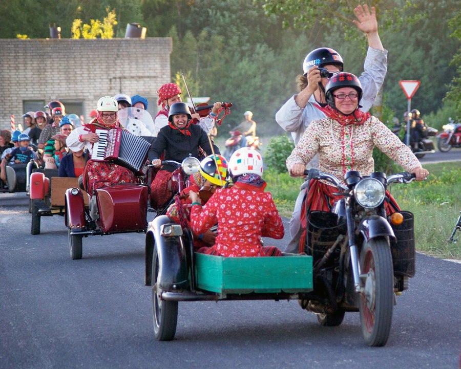 кипения оставшееся картинки старушки на мотоцикле структурная