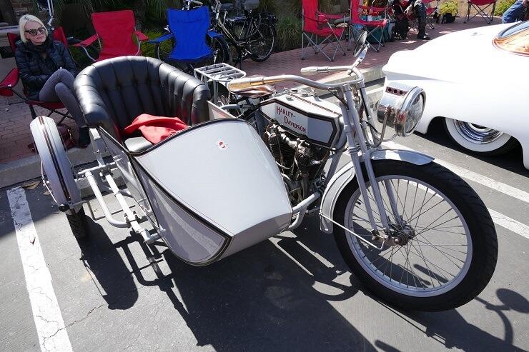 harley-davidson-motorcycle-2