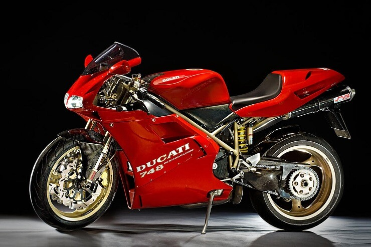 мотоцикл Ducati 748
