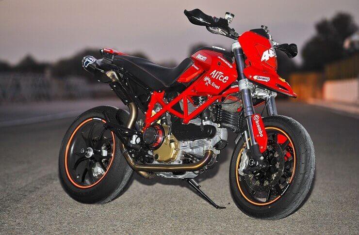 Супермото Ducati Hypermotard