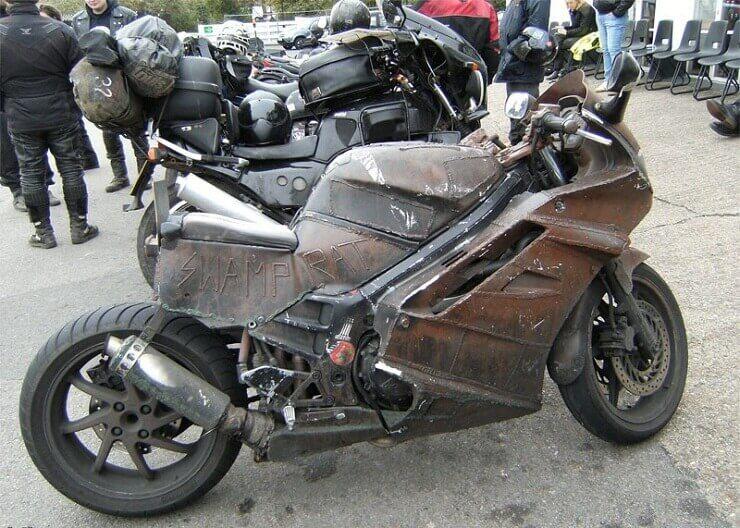 Рэт-байк (rat bike, «мотоцикл-крыса»), или просто рзт (rat).