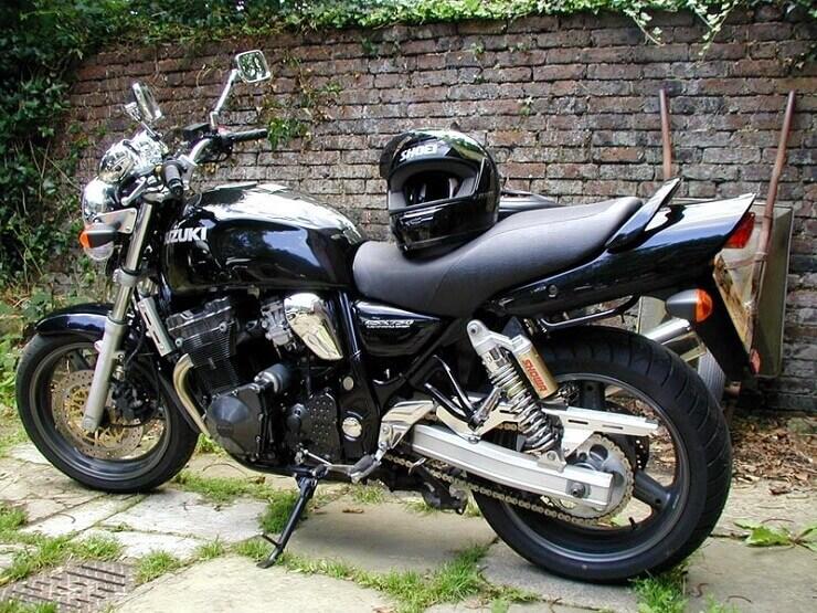 Мотоцикл Suzuki GSX 750 -