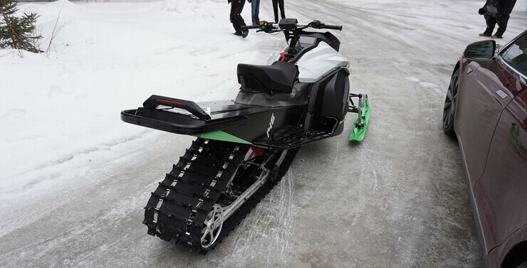 Электрический снегоход из Канады
