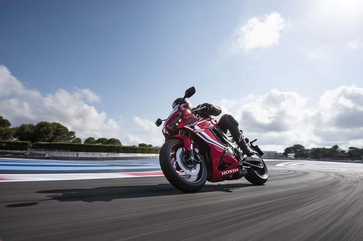 R вместо F: Honda представила CBR650R